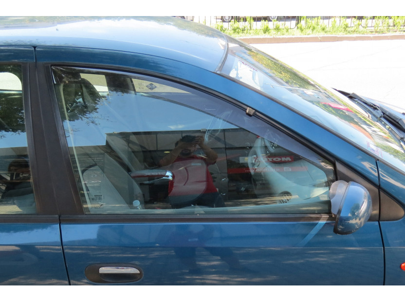 Farad Front Wind Deflectors for Nissan Almera Tino after 2000 2